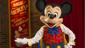 mickey-mouse-at-town-square-theater-00